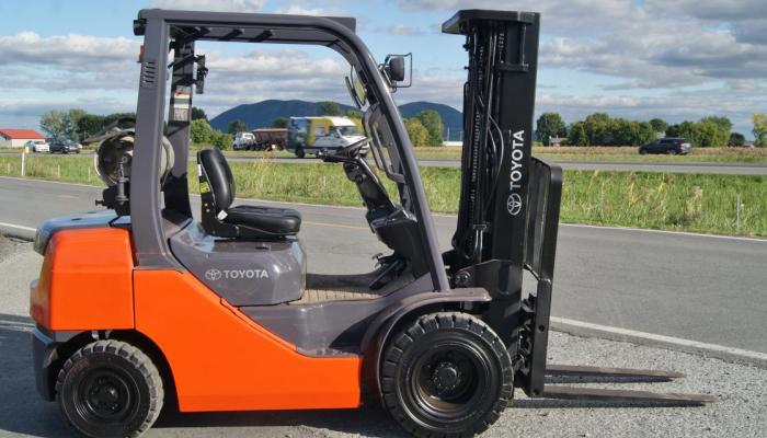 4 Benefits of buying a Toyota forklift
